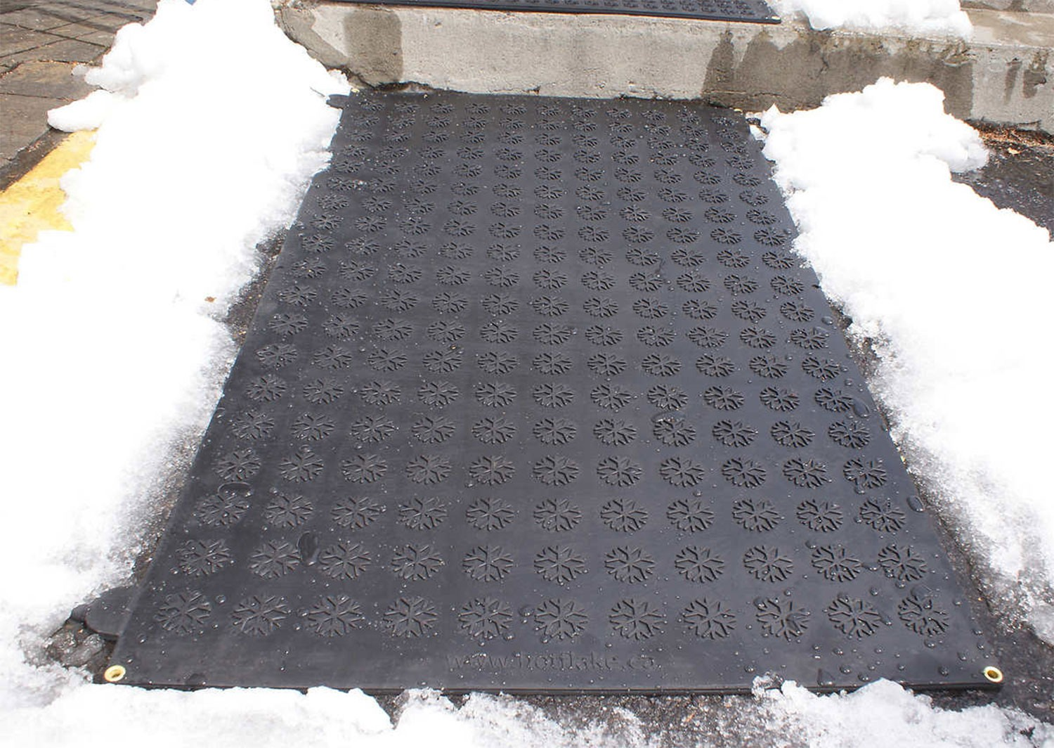 Heated Flakes Premium Snow Melting Walkway Mats