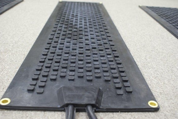 Heated Cubes Premium Snow Melting Stair Mats